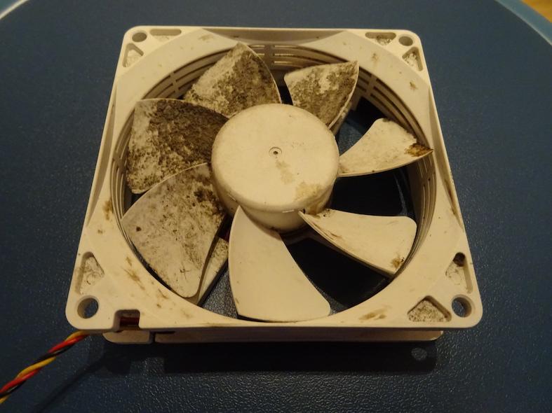 Nettoyage : Ventilateur, partiellement